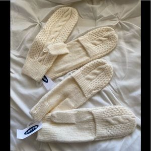 3/$10!! NWT! Bundle Old Navy cute gloves for Fall